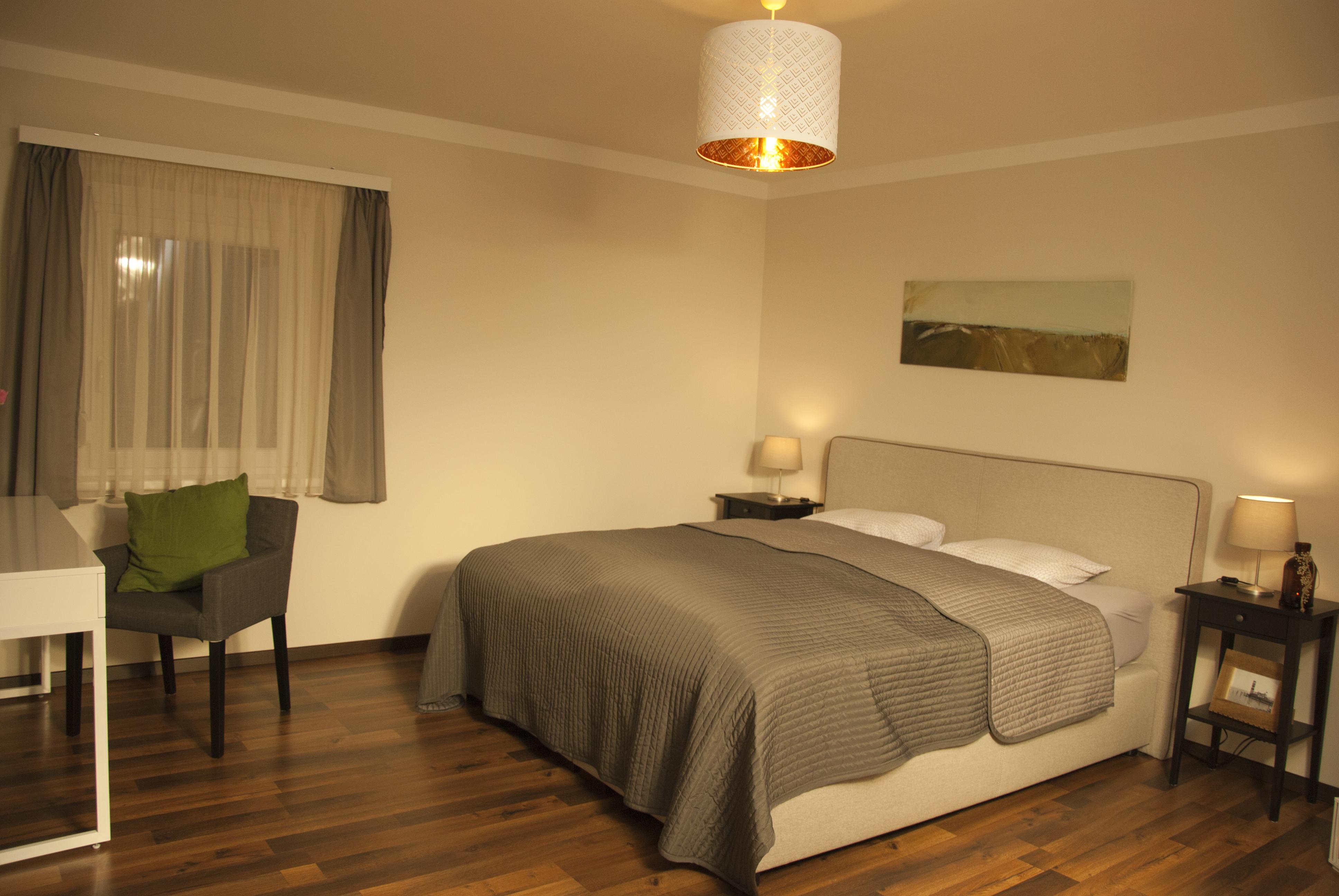 schlafzimmer unten DSC_3217